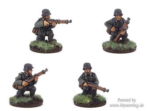 German Riflemen Kneeling